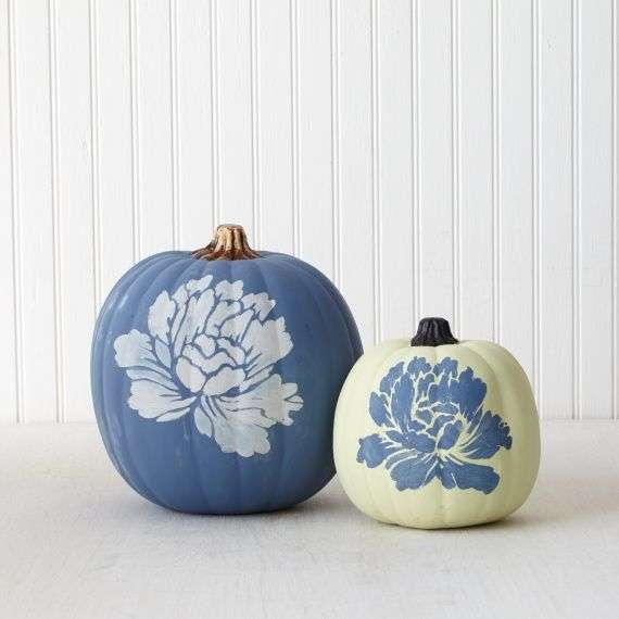 martha stewart chalk painted pumpkin