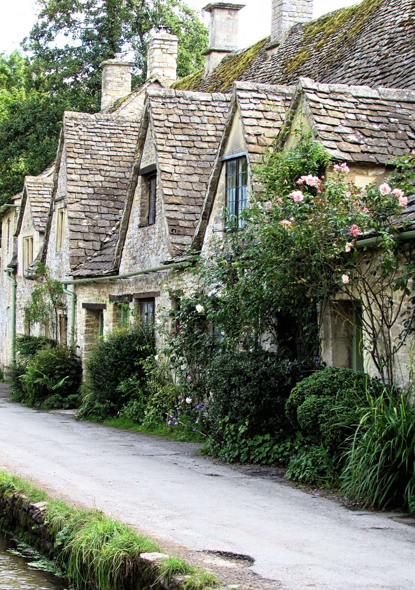 pretty english cottages